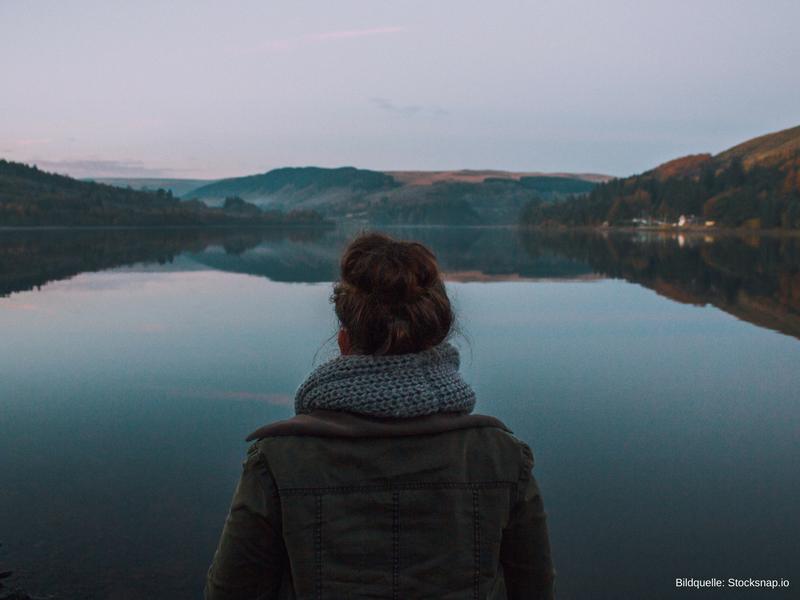 Deine Einsamkeit überwinden mit diesen 6 verblüffend einfachen Fragen