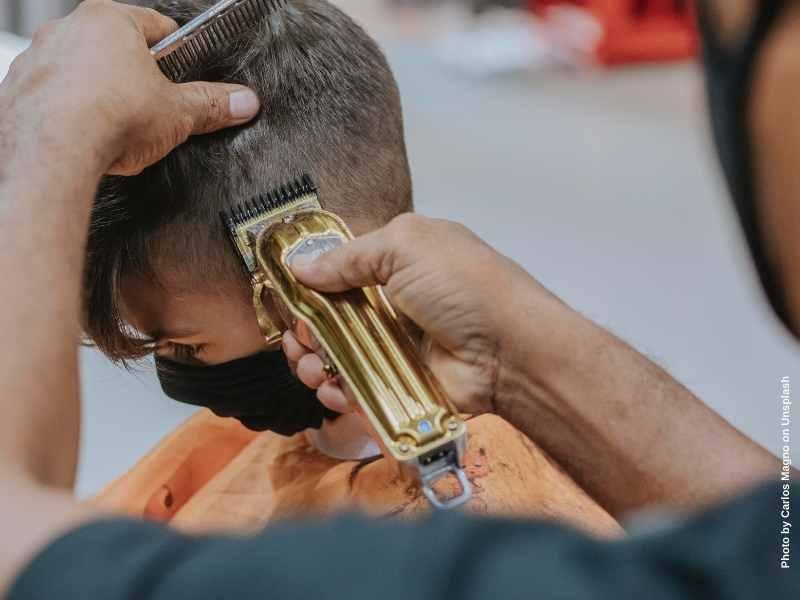 Was emotionale Gewalt mit einem Friseurbesuch gemein hat